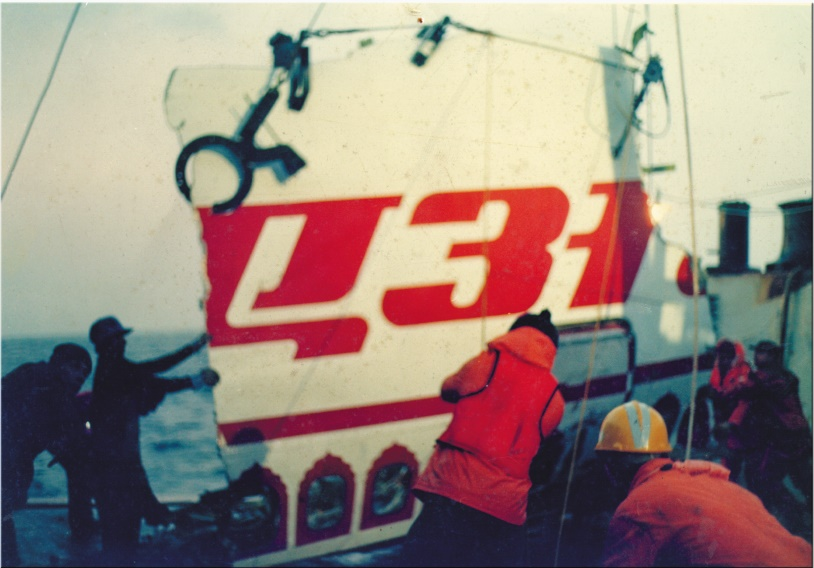 A piece of wreckage being placed on the deck of Kreuzturm (Photo courtesy: V Ramachandran)