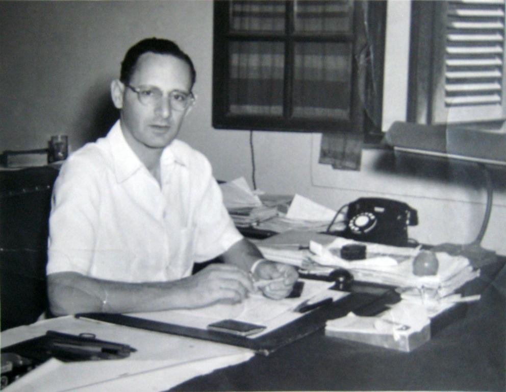 Otto Koenigsberger at his desk