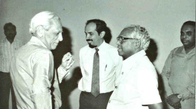 Satish Dhawan (left) and Roddam Narasimha (centre), with KR Narayanan (Photo courtesy: Roddam Narasimha)