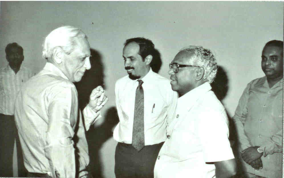 Satish Dhawan (left) and Roddam Narasimha (centre), with KR Narayanan (Photo courtesy: Roddam Narasimha)